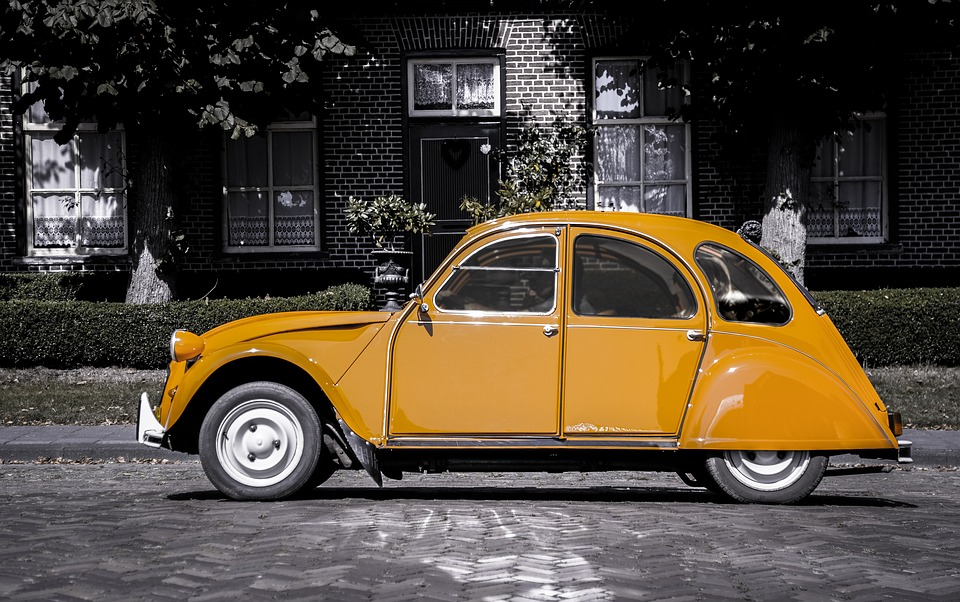 2CV closer to regaining French Nationality