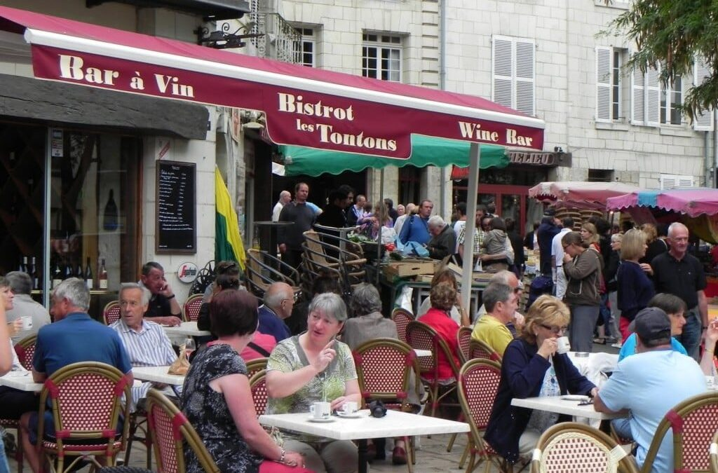 Bistrot Les Tontons is now quoted in the reputed French restaurant guide 'Petit Futé'