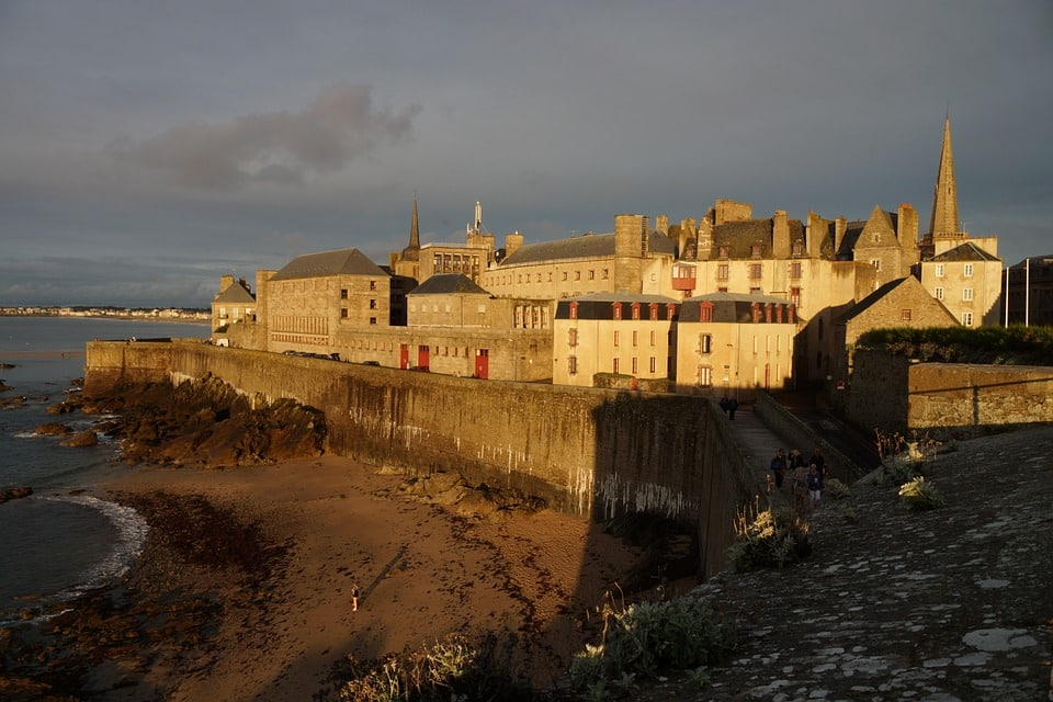 Car rental from St Malo port